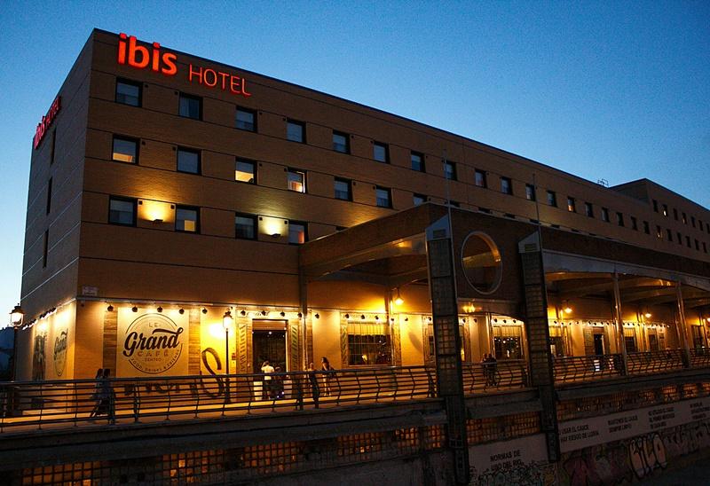 Hotel Ibis Málaga y Le Grand Cafe