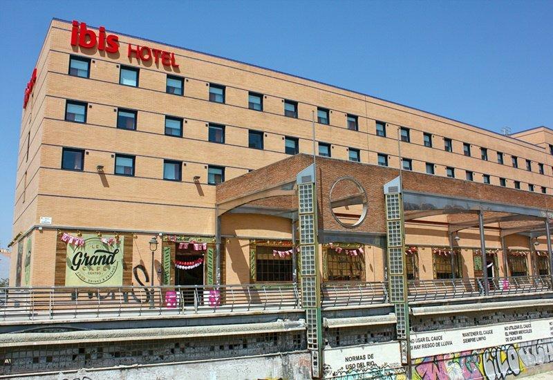 Ibis Hotel - Le Grand café