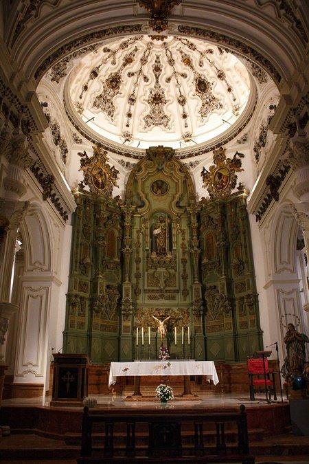 Altar principal de la Iglesia de Santiago