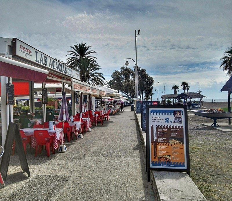 Chiringuitos y restaurantes en el Palo