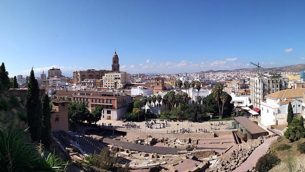 Panorámica del entorno desde el nuevo mirador de la Alcazaba
