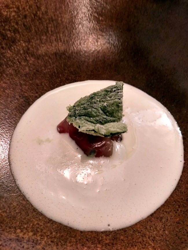 Gazpachuelo frío y cítrico, algas a la crema y jurel - Bardal