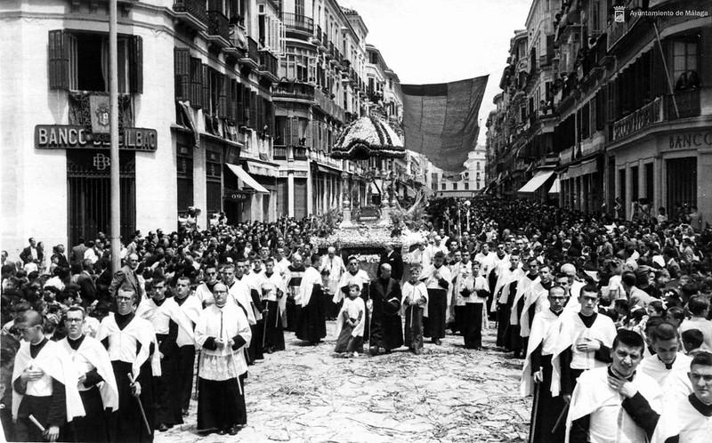 Calle-Larios-1940-Corpus_Christi