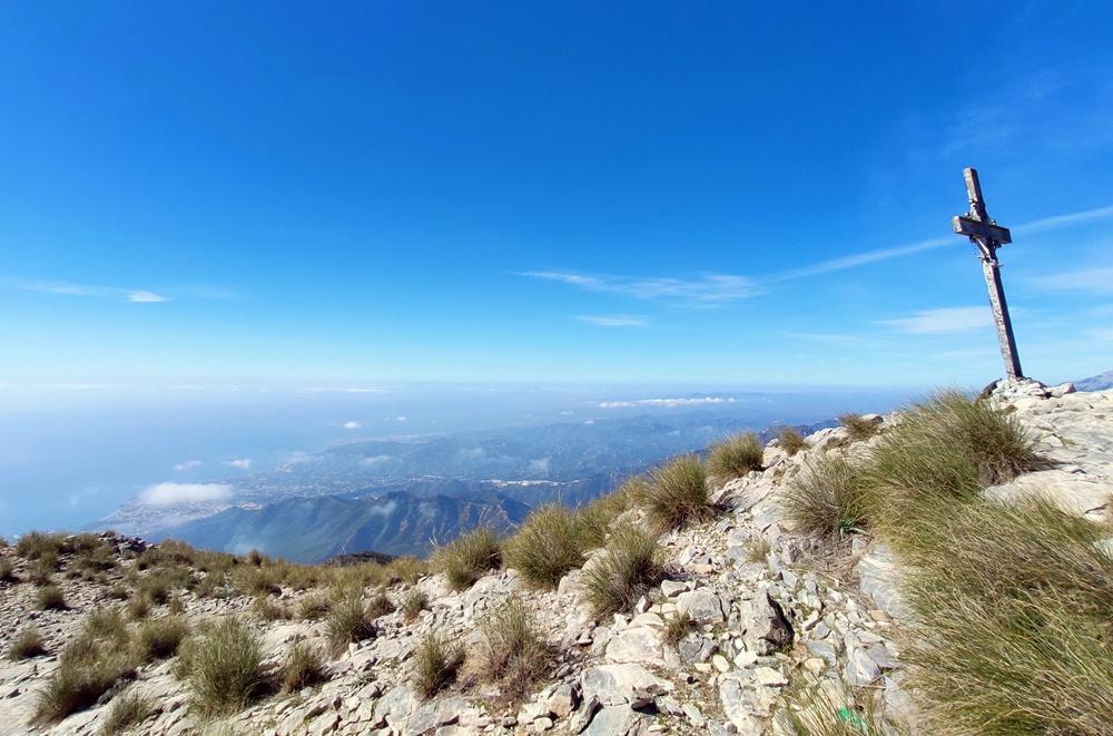 Cima-Cruz-Pico-Cielo-Nerja-Malaga