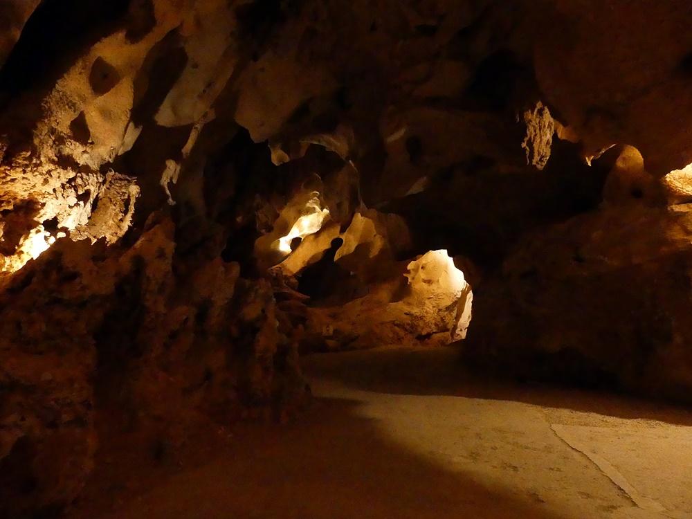Interior-Cueva-Tesoro-Malaga
