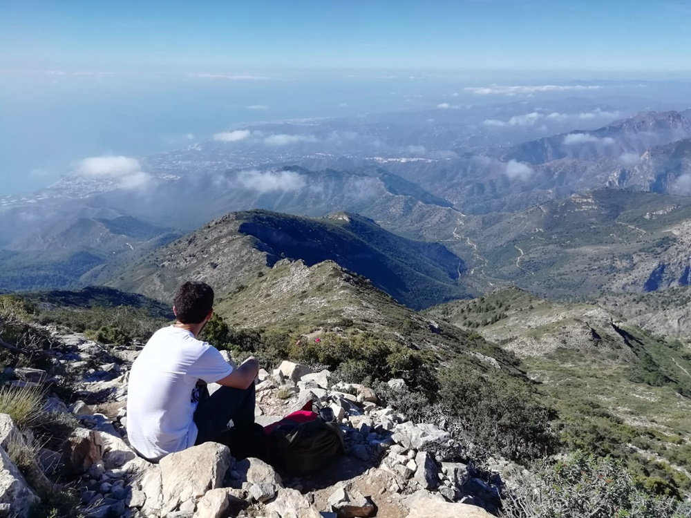 Reflexion-Cima-Pico-Cielo