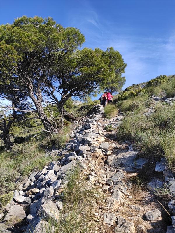 Sendero-piedras-Pico-Cielo