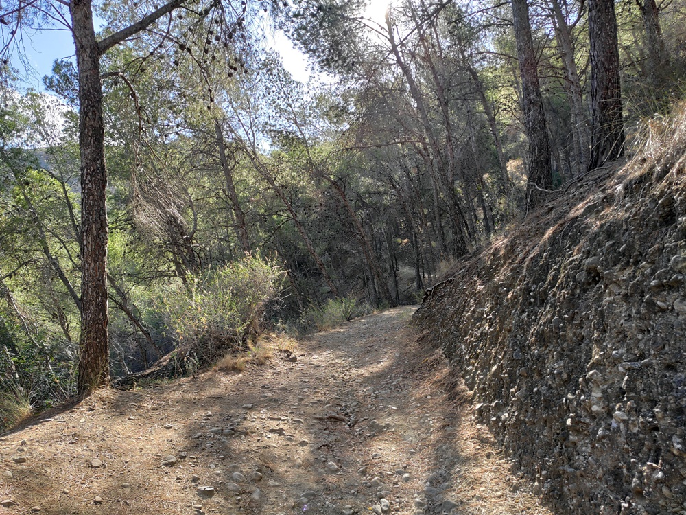 Sendero-Piedras-El-Santo